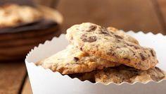 Schoko-Cookies mit Marzipan | Eine süße Sünde sind diese Schoko-Cookies mit Marzipan. Ein Backrezept, das sicher wiederholt zum Einsatz kommt.