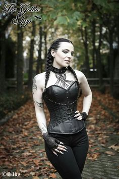Model: Silky Outfit: The Gothic Shop  Welcome to Gothic and Amazing   www.gothicandamazing.com