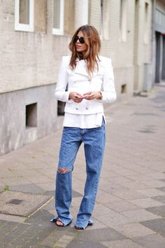 baggy jeans with blazer