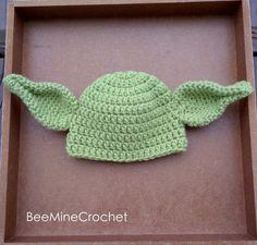 MODELLO verde creatura mitica neonato vestito di BeeMineCrochet