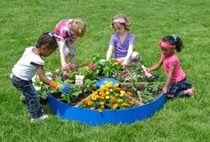 http://adventurouschild.com/pizza-garden.php    Plant flowers or vegetables and herbs you would find on a pizza in our preschool playground Pizza Garden.  Gardening with children is a great activity for teaching nutrition and science.  #gardening #preschool