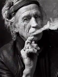 Keith Richards, New York City, Shot for GQ UK magazine by photographer Mark Seliger/ Beetles + Huxley Rock Chic, Anne Hathaway, Celebrity Portraits, Celebrity Photos, Celebrity Style, Rock And Roll, Rolling Stones Keith Richards, New York City, Mark Seliger