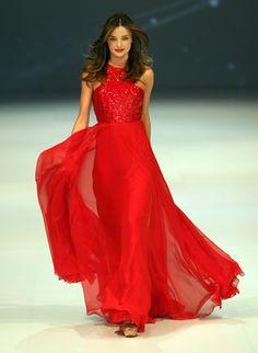 Miranda Kerr flawless in red hot dress