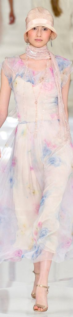 Ralph Lauren RTW Spring - This kinda looks like a painting in a dress???? So pretty?????? Would probably look better on someone with a darker complexion tho, kinda washes out the pale model (and so would my ghost self therefore) :/