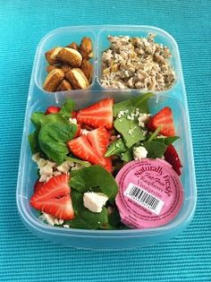 Strawberry and Spinach Salad, Chicken Salad, and Pretzels, #EasyLunchBoxes