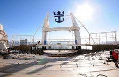 November 12 2015 - Harmony of the Seas Aquatheater   Royal Caribbean International press center photo