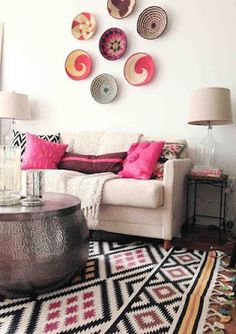 Light room, neutral furniture with the rug, pillows and wall decor providing ethnic touches Living Room Wallpaper Neutral, Aztec Home Decor, Living Room Designs, Living Room Decor, Living Rooms, Diy Décoration, Easy Diy, Designer Pillow, Minimalist Living