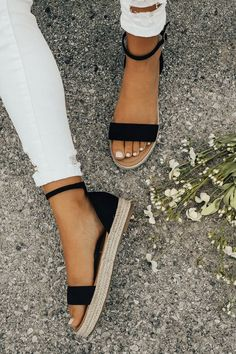The Roslyn Espadrille in Black-$32