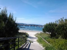 un de los accesos a la playa de Portonovo, en Sanxenxo (Pontevedra)