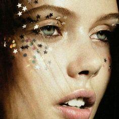 Inspiração fofa para shows: várias estrelinhas no rosto! | DDB Inspira @ddbinspira