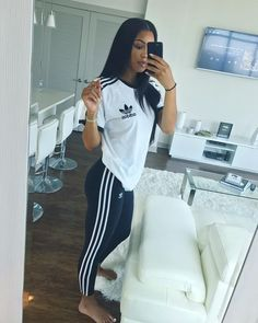 Lazy Day Outfits – Page 5690189663 – Lady Dress Designs Lazy Outfits, Swag Outfits, Mode Outfits, Sport Outfits, Casual Outfits, Summer Outfits, Casual Shoes, Adidas Outfits For Women, Cute Sporty Outfits