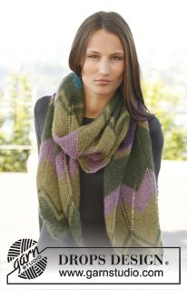 "Knitted DROPS scarf with zigzag pattern in ""Kid-Silk"". ~ DROPS Design"