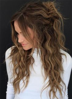 Spring Hair Colors Ideas & Trends: Sun-Kissed Brunette Hair trends ideas 53 Brightest Spring Hair Colors & Trends for Women Spring Hairstyles, Messy Hairstyles, Hairstyles 2018, Trending Hairstyles, Hair Color Balayage, Ombre Hair, Blonde Balayage, Blond Rose, Colored Curly Hair