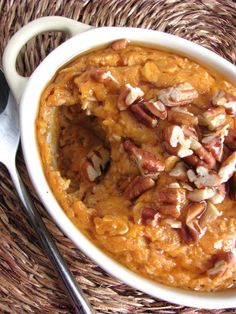 Autumn Favorites Baked Sweet Potato Oatmeal -- easy to sub w/ GF oats and almond milk. Could also use pumpkin purée instead of sweet potato. 20 minutes in the oven and this oatmeal would make my Saturday morning! Breakfast Dishes, Breakfast Time, Breakfast Recipes, Apple Breakfast, Free Breakfast, Sweet Potatoes For Breakfast, Breakfast Ideas, Healthy Recipes, Fall Recipes
