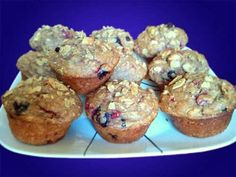 Healthy Blueberry / Raspberry Homemade Muffins for Breakfast, Snacks, Dessert from Oat Bran, Wheat Germ, and more.-adjust with splenda brown sugar mix for diabetics What's For Breakfast, Breakfast Snacks, Breakfast Recipes, Healthy Treats, Healthy Baking, Healthy Recipes, Eating Healthy, Raspberry Muffins, Blueberry