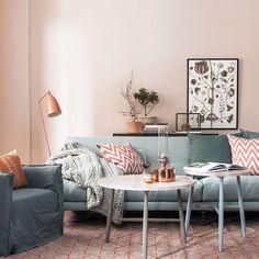 A cor do ano living coral ou coral vivo - Liliana Zenaro Interiores Pink Living Room, Decor, Living Room Inspiration, Home And Living, Interior, Living Decor, Scandinavian Interior, Home Decor, Coffee Table