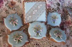 The Beauty of Spring by Teri Pringle Wood, posted on Cookie Connection. Utterly charming. Nobody composes and pipes beautiful flowers and lace like Teri.