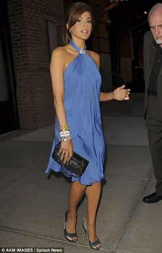 Eva Mendes gorgeous sky blue dress