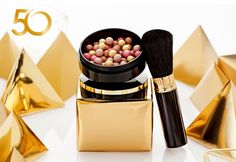 To commemorate Oriflame's 50th anniversary, we have created a special edition of our timeless classic Giordani Gold Bronzing Pearls. Made in Italy the pearls are skillfully spun, then hand-shaped by only the most experienced master ...