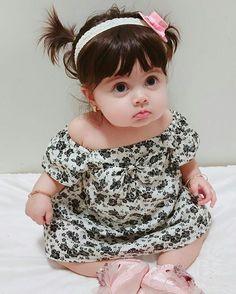 Cute Baby Girl Photos, Cute Kids Pics, Cute Little Baby Girl, Cute Baby Pictures, Funny Baby Photos, Funny Baby Costumes, Indian Baby Girl, Cute Baby Girl Wallpaper, Cute Babies Photography