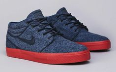 Nike SB Stefan Janoski Mid Armory Navy/Terra Cotta *finally got them (: Sock Shoes, Men's Shoes, Shoe Boots, Roshe Shoes, Nike Free Shoes, Nike Shoes Outlet, Nike Sb Janoski, Estilo Tomboy, Nike Skateboarding