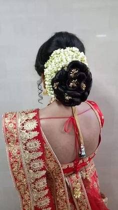 Marathi Saree, Nauvari Saree, Bun Hairstyles, Captain Hat, Hair Styles, Fashion, Hair Plait Styles, Moda, La Mode