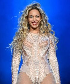 Beyonce took the stage and made the BEST shout-out to Ronda Rousey's killer speech