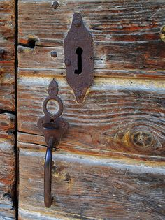 Old lock to an estate wine cellar