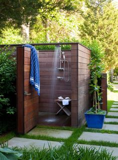 32 beautiful DIY outdoor shower ideas: creative designs plans on how to build easy garden shower enclosures with best budget friendly kits fixtures! – A Piece of Rainbow outdoor projects, backyard, landscaping,