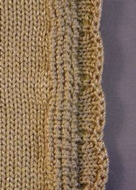 Free Knitting Pattern For Scalloped Edge : Machine Knitting Fun: Newest Baby in the Neighborhood! Nice edge! TEJIDO EN...
