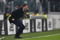 Juventus FC head coach Massimiliano Allegri shouts to his players during the Serie A match between Juventus FC and Atalanta BC at Juventus Stadium on December 3, 2016 in Turin, Italy.
