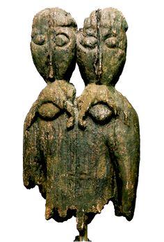 Na wyspie Fischerinsel (Tollensee) w Meklemburgii odkryto (1969) słowiański,  zachodniolechicki posąg wyobrażający bliźnięta, kojarzony powszechnie przez  badaczy (A.Gieysztor, W.Szafrański, A. Kempiński) z boskimi bliźniętami  - Lelem i Polelem. W tym samym miejscu odkryto również figurkę wyobrażającą  postać kobiecą.