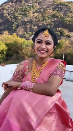 Brocade Blouse Designs, Blouse Designs High Neck, Half Saree Designs, Bridal Blouse Designs, Bridal Sarees South Indian, Indian Bridal Outfits, Indian Bridal Fashion, South Indian Bride, Beautiful Indian Brides