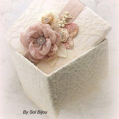 Wedding Keepsake Boxes, Baby Keepsake, Wedding Keepsakes, Wedding Boxes, Memories Box, Cajas Shabby Chic, Organizer Box, Flower Girl Basket, Handmade Flowers