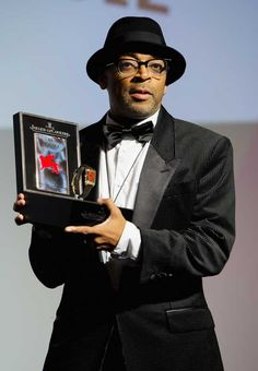 Spike Lee received the Jaeger-LeCoultre Glory to the Filmmaker 2012 award at the 69th Venice Film Festival. He was awarded with a specially engraved Reverso.