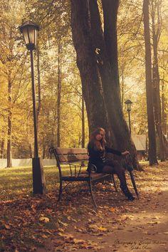 Portait, outside, fall, bench