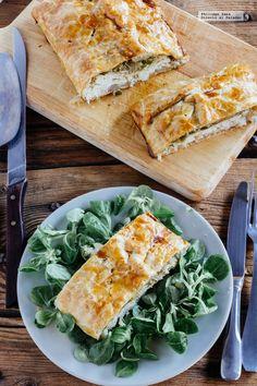 Hojaldre de pescado con pimiento y cebolla. Receta