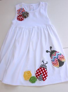 "cute ladybugs ""Ladybug and Flowers Appliqued Dress - Size"", ""Chevron and polka dot ladybugs. This dress is super soft and comfy! Baby Girl Dress Patterns, Little Dresses, Little Girl Dresses, Girls Dresses, Sewing Kids Clothes, Baby Sewing, Baby Girl Fashion, Fashion Kids, Applique Dress"