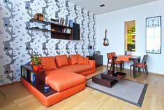 Nappali - étkező egyben. A minimál stílus hangulatában elegáns, letisztult vonalvezetésű bútorokkal berendezve. Couch, Furniture, Home Decor, Settee, Decoration Home, Sofa, Room Decor, Home Furnishings, Sofas