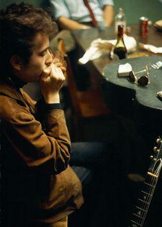 Bob Dylan, Newport, RI, Photo by John Launois. Bob Dylan, Jerry Schatzberg, Bert Stern, Minnesota, Blues, Shooting Photo, Portraits, Bruce Springsteen, Popular Music