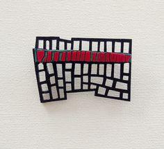 Limited edition designer brooch wood colored polymer por DecoUno, €25.00