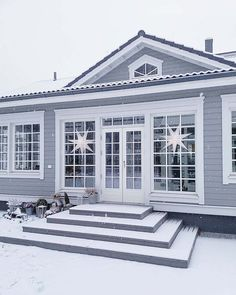 Window Grill Design, Outdoor Christmas Decorations, Exterior Doors, Fixer Upper, House Colors, My Dream Home, Entrance, House Plans, Patio