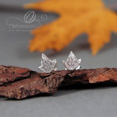 Lothlorien Mallorn leaves earrings eco friendly by Melonarium