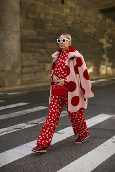 Blair Eadie wearing a faux fur polka dot jacket over a red and pink polka dot shirt and pants // All items from the upcoming Atlantic-Pacific x Halogen collection, available at Nordstrom on Hipster Grunge, Grunge Goth, Colorful Outfits, Colorful Fashion, Mode Monochrome, Street Style Vintage, Conversational Prints, Fashion Outfits, Womens Fashion
