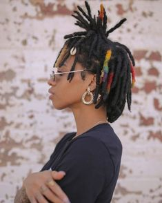 Afro Dreads, Dreads Short Hair, Dyed Dreads, Thick Dreads, Small Dreads, Short Locs Hairstyles, Blonde Dreads, Natural Dreads, Dreads Girl