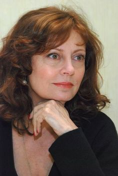Check out production photos, hot pictures, movie images of Susan Sarandon and more from Rotten Tomatoes' celebrity gallery! Beautiful Women Over 50, Beautiful Old Woman, Hollywood Actresses, Actors & Actresses, Susan Surandon, Susan Sarandon Hot, Divas, Thelma Et Louise, New York City