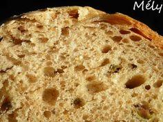 Pain aux olives MAP   270 ml d'eau  1 cuillère + 1/2 cuillère à soupe d'huile d'olive  150 gr de farine T 150  330 gr de farine T 65  6 gr de sel  7 gr de levain fermentescible  1 c à c de jus de citron  100 gr d'olives vertes entières dénoyautées et égouttées  programme 4 (pain complet rapide) – 750 gr – croûte moyenne.