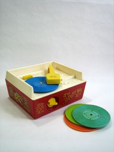 FISHER PRICE Music Box Record Player {played with one at daycare} // 80's Childhood Memory (1971)