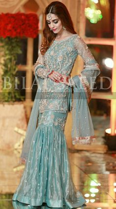 Buy Net Bridal Suit Master Replica Available at Replica Zone. Free Delivery all over Pakistan. Pakistani Party Wear, Pakistani Wedding Outfits, Pakistani Dress Design, Pakistani Dresses, Indian Dresses, Pakistani Gharara, Asian Party Wear, Pakistani Couture, Indian Outfits