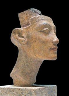 ♔ Nefertiti ou Meritaten (Neues-Museum ~ Berlin